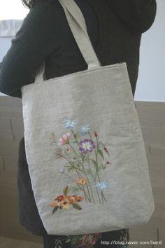 김소진님의 자수블로그 Herb Embroidery, Silk Ribbon Embroidery, Hand Embroidery Patterns, Embroidery Stitches, Japan Bag, Linen Bag, Embroidery Fashion, Fabric Bags, Embroidery Techniques