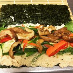 Making Raw Vegetarian Sushi today . Hummus, Real Food Recipes, Sushi, Vegetarian, Cooking, Ethnic Recipes, Kitchen, Brewing, Cuisine