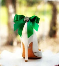 Shoe Clips Bow Kelly Green / Yellow / Tangerine Orange / Blue / Purple. White Ivory Pearl / Rhinestone. St Patricks Day Bright Satin Ribbon by sofisticata on Etsy https://www.etsy.com/listing/124480809/shoe-clips-bow-kelly-green-yellow