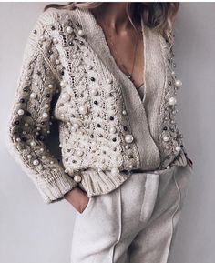 Latest fashion trends in women's Sweaters. Shop online for fashionable ladies' Sweaters at Floryday - your favourite high street store. Mode Outfits, Casual Outfits, Fashion Outfits, Womens Fashion, Fashion Trends, Fashion Shoes, Casual Bags, Casual Shoes, Summer Outfits