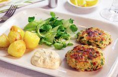 Hamburger di pesce bianco - Economici ma buonissimi, gli hamburger di pesce bianco si prestano a mille varianti e interpretazioni: pronti in pochi minuti