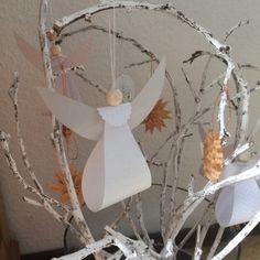 Send me an angel – oder – DIY-Tutorial: Engel aus Papier – Origami 2020 Diy Crafts Crochet, Crafts For Kids To Make, Diy And Crafts, Paper Crafts, Fun Crafts, Sewing Crafts, Cute Origami, Origami Easy, Origami Tutorial