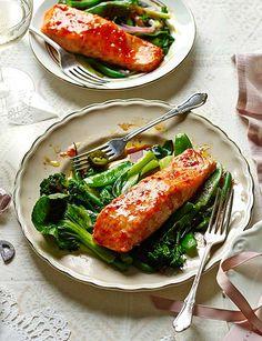 Sweet chilli salmon parcels - Sainsbury's Magazine