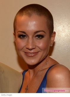 Kellie Pickler stunned her fans with her buzz haircut. She shaved off her hair to support one of her best friends who is battling breast cancer.