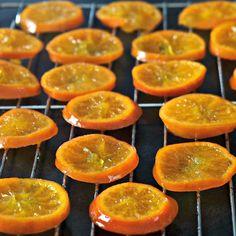 Candied Orange Slices, Dried Orange Slices, Dried Oranges, Candied Lemons, Candied Fruit, Candy Recipes, Fruit Recipes, Orange Confit, Orange Candy