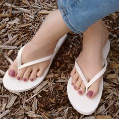 [New] The 10 All-Time Best Home Decor (in the World) - Estas vacaciones también tus pies se merecen consentir . Nice Toes, Pretty Toes, Cute Toe Nails, Foot Pics, Feet Nails, Foot Toe, Beautiful Toes, Sexy Toes, Female Feet