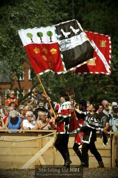 Spectaculair Riddertoernooi En Steekspel Stichting Historisch Educatief Initiatief heeft zich gespecialiseerd in het aanbieden van een exclusieve, spectaculaire én educatieve show: Het Riddertoernooi en het Steekspel zoals dat in de vijftiende eeuw werd gedaan in de Bourgondische Lage Landen. - See more at: http://historischhuren.nl/object/spectaculair-riddertoernooi-en-steekspel/#sthash.T8RW8dMG.dpuf