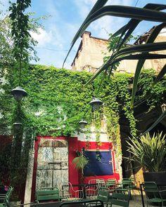 Secret garden in Milan... a nice office view!