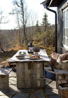 25 trendy home exterior rustic patio Outdoor Dining, Outdoor Tables, Outdoor Spaces, Outdoor Decor, Dining Table, Winter Balkon, Terrasse Design, Rustic Patio, Rustic Porches