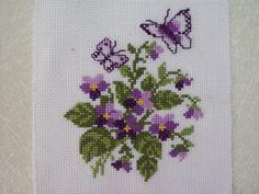 σχέδια , μπορντούρες και γωνίες με βιολέτες για σταυροβελονιά violet cross stitch patterns , borders and corners Κάνετε κλικ εδώ ...