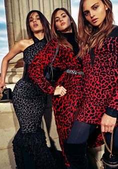 The complete Balmain Pre-Fall 2018 fashion show now on Vogue Runway.