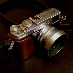 My dream camera. It's just so perfect, so timeless, so elegant / Fuji X100