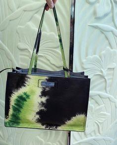 Image Fashion, Look Fashion, Fashion Bags, Classy Fashion, Fashion Dresses, Daily Fashion, Street Fashion, Fashion Women, Fashion Shoes