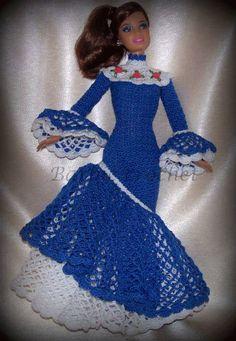 Abito azzurro con balze di Barbiecrochet su Etsy, €20.00