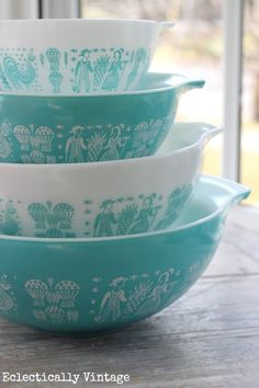 You see these bowls? They just became part of my kitchen collection. Thanks grandma ryan! Vintage Pyrex Butterprint Pattern eclecticallyvintage.com