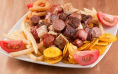 Leños y Carbon en Cali, encuentra una variedad de sabrosos platos, acompañados…
