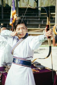 160925 Moon Lovers still cuts Credit: mooonloverssbs Asian Actors, Korean Actors, Korean Dramas, Kang Ha Neul Moon Lovers, Korean Traditional, Traditional Outfits, Moon Lovers Scarlet Heart Ryeo, Moon Lovers Drama, Kang Haneul