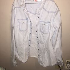 FLASH SALE Collared jacket Super cute jacket/shirt in great condition from divided(H&M) Divided Tops Button Down Shirts