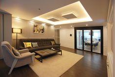가족 모두의 취향을 담아낸 30평대 아파트 인테리어 : 네이버 포스트 Living Room Kitchen, Living Room Modern, Living Room Interior, Style At Home, Living Room Gaming Setup, Studio Living, Space Architecture, Office Interiors, House Rooms