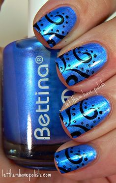 black and blue nails. looks really cool! Do It Yourself Nails, How To Do Nails, My Nails, Fabulous Nails, Gorgeous Nails, Pretty Nails, Fingernail Designs, Cute Nail Designs, Dot Designs