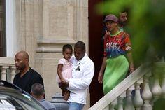 Beyoncé et Jay-Z s'éclatent à Paris. Finies les rumeurs de divorce, le couple pense à s'installer dans la capitale française ! - soirmag.be