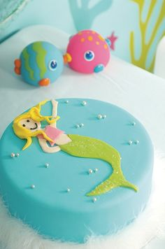 Under the sea birthday party. Mermaid cake. ohbaby.co.nz Featured in OHbaby! magazine, available in itunes OHbaby! Interactive Magazine
