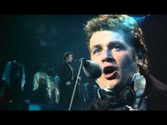 Michael Ball - Empty Chairs at Empty Tables - Les Misérables 10th Anniversary Concert, -goosebumps at 01:20 and 02:23