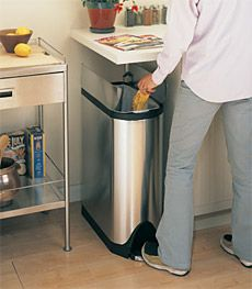 simplehuman butterfly trash can xx 10 h with lid open