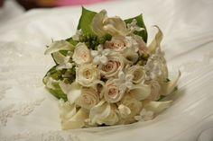 Traditional white and creme #wedding bouquet. teresaferrando.com