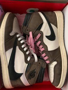 Dr Shoes, Nike Air Shoes, Hype Shoes, Me Too Shoes, Shoes Heels, Mens Vans Shoes, Shoes Jordans, Air Jordans, Jordan Shoes Girls