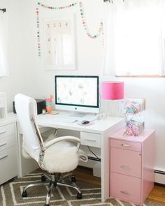 Our Features Editor, @dreamgreendiy, shares 3 easy tips to reorganizing your home office seasonally, today on glitterguide.com. ✨link in bio✨