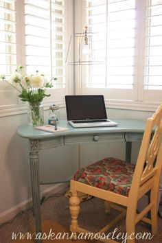 @Amanda Skinner Anna Moseley's workspace. so fresh and simple love it! - love…