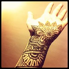 #henna #mehndi #art #floral