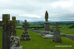 http://www.reisedoktor.com/2011/07/irland-rundreise/  Rock of Cashel in Irland