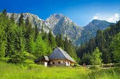 Výsledok vyhľadávania obrázkov pre dopyt fototapeta tatry Cabin, Mountains, House Styles, Nature, Travel, Home Decor, Naturaleza, Viajes, Decoration Home