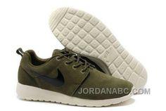 http://www.jordanabc.com/nike-roshe-run-suede-mens-army-green-white-black-shoes.html NIKE ROSHE RUN SUEDE MENS ARMY GREEN WHITE BLACK SHOES Only $74.00 , Free Shipping!