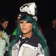 Of Course, Lil' Kim Has the Most Extra Hair at New York Fashion Week