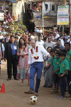 Kate Middleton Photos - The Duke & Duchess Of Cambridge Visit India & Bhutan - Day 1 - Zimbio