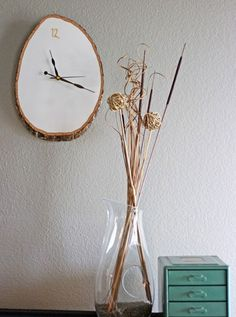 DIY Wood Slab Wall Clock | 27 DIY Rustic Decor Ideas for the Home | DIY Rustic Home Decorating on a Budget
