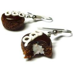 Miniature Food Earrings, Cupcake Earrings, Surrgical Steel Earrings. $11.00, via Etsy. Cute Jewelry, Jewelry Accessories, Yummy Treats, Sweet Treats, Mini Foods, Cool Necklaces, Clay Charms, Miniature Food, Cute Food