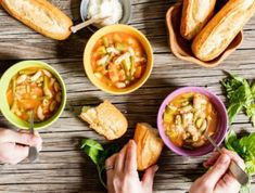 Mix up a batch of Italian-inspired Minestrone soup tonight. It's quick, easy, and the generous portions of veg and pasta make it a cost-effective meal. South African Recipes, Ethnic Recipes, Beans On Toast, Elbow Pasta, Pea Soup, Spaghetti Recipes, Winter Food, Rhodes, Freeze