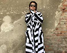 Items similar to Crochet coat Jacket Granny square coat Female cardigan Scarf Handmade coat Fashion design Autumn coat Boho coat Red coat Winter crochet coat on Etsy Capes For Women, Cardigans For Women, Clothes For Women, Long Sweater Coat, Long Sweaters, Sleeveless Cardigan, Maxi Cardigan, Trendy Plus Size Clothing, Plus Size Outfits