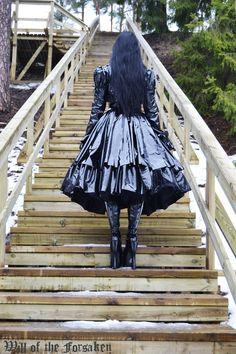 Alexander Grassner Große 46 Source by erkentnisse de moda para niñas de 12 Dark Fashion, Gothic Fashion, Latex Costumes, Victorian Goth, Sexy Latex, All Black Everything, Cosplay Outfits, Lolita Dress, Gothic Beauty