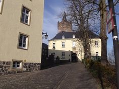 Swan Castle in Cleves, Germany - History of Royal Women