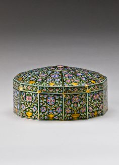 An 18th-century ornately patterned gold with enamel pandan box, described as being of Mughal origin (acquired in 2008)