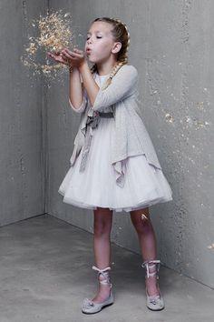 Vestido Valeria de Hortensia Maeso. Descubre mas vestidos de fiesta y ceremonia para niñas en www.hortensiamaeso.com