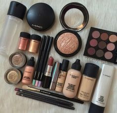 Luxury Makeup – Great Make Up Ideas Makeup Items, Makeup Brands, Best Makeup Products, Beauty Products, Makeup Companies, Free Products, Mac Cosmetics Lipstick, Makeup Cosmetics, Mac Eyeshadow