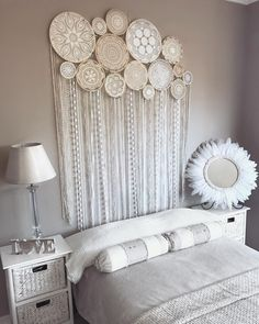 By showing fine art on a coffee shaded divider you permit the components displayed to stand apart more. Gypsy Home Decor, Bohemian Wall Decor, Diy Home Decor, Interior Design Tools, Doilies Crafts, Diy Zimmer, Custom Wall Murals, Dream Catcher Boho, Decoration