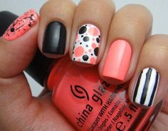 30 cute and simple nail designs for summer and spring. Simple french manicure designs,striped and dotted nail designs,rhinestone nail art Nail Designs Tumblr, Creative Nail Designs, Diy Nail Designs, Simple Nail Designs, Creative Nails, Easy Designs, Fancy Nails, Love Nails, Diy Nails