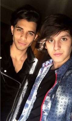 Erick can you just be 18 so you aren't jailbait ♀️♀️ and  oh Chris Memes Cnco, Singing Competitions, Friend Pictures, Perfect Man, Dj, Crushes, Like4like, Tv Shows, Singer